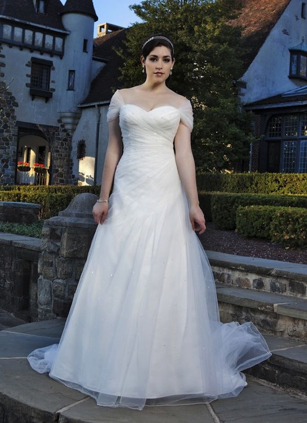 Wedding dress shopping dressing for your body shape for Body shaper for wedding dress