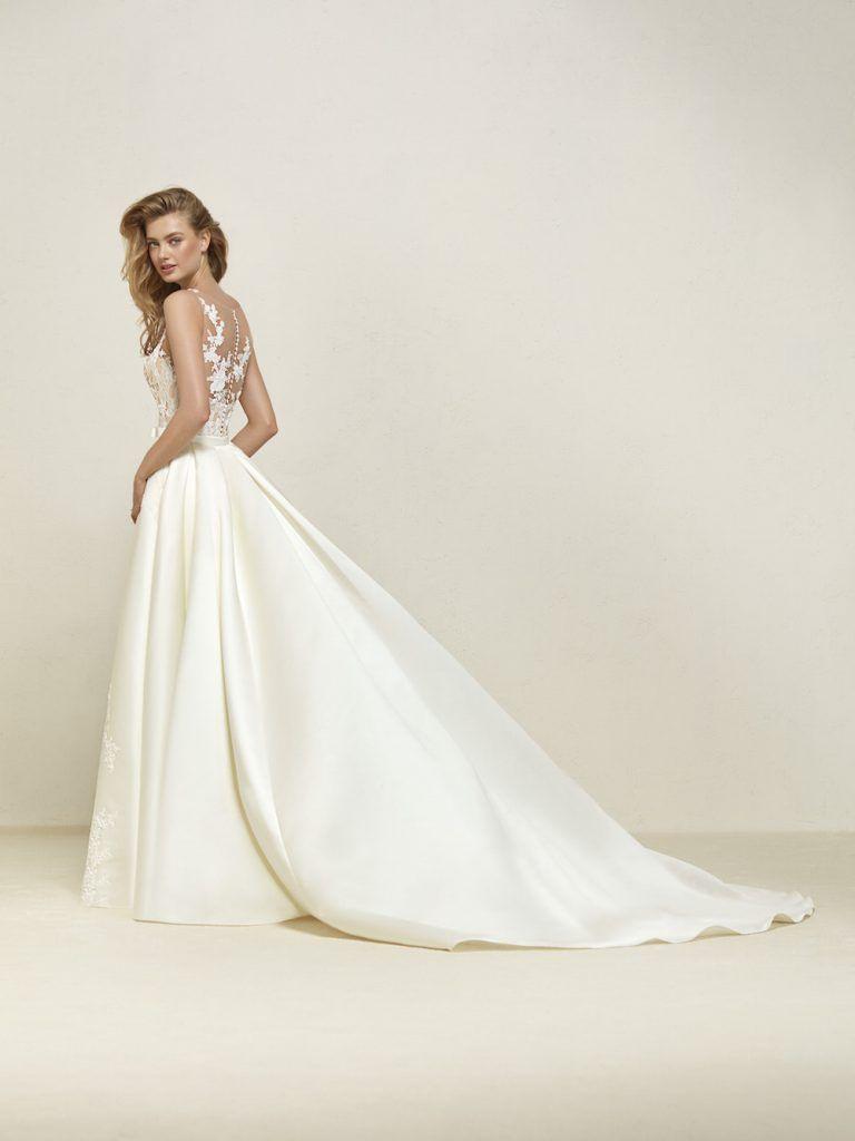Rückenausschnitt – Happy Brautmoden | Hochzeitskleid | Pinterest