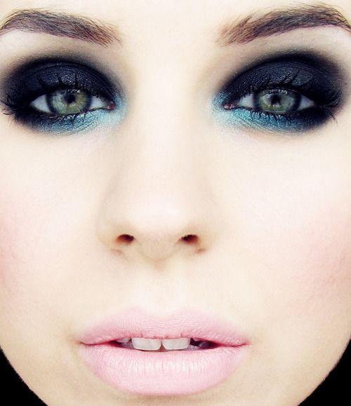 Makeup Dark blue. Maquiagem Azul escuro.