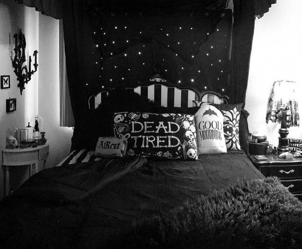 Knowledgeable Consulted Home Decor On A Dime Compare Prices Gothic Decor Bedroom Halloween Bedroom Gothic Bedroom