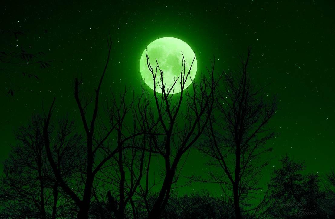 Green moon by SyaibatulHamdi99 on DeviantArt