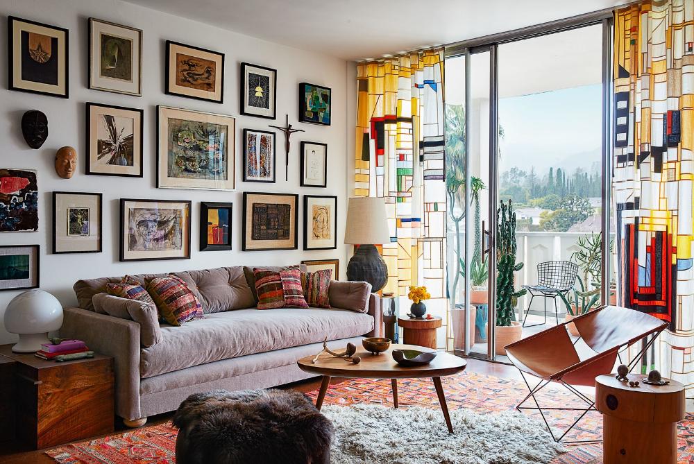 Living in a pair of midcentury residential towers in Los ...
