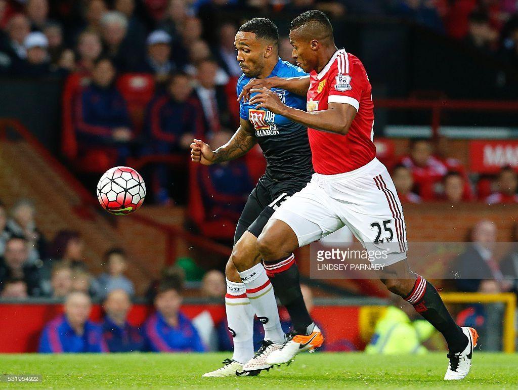 Manchester United S Ecuadorian Midfielder Antonio Valencia Vies With Manchester United Premier League Manchester United Manchester