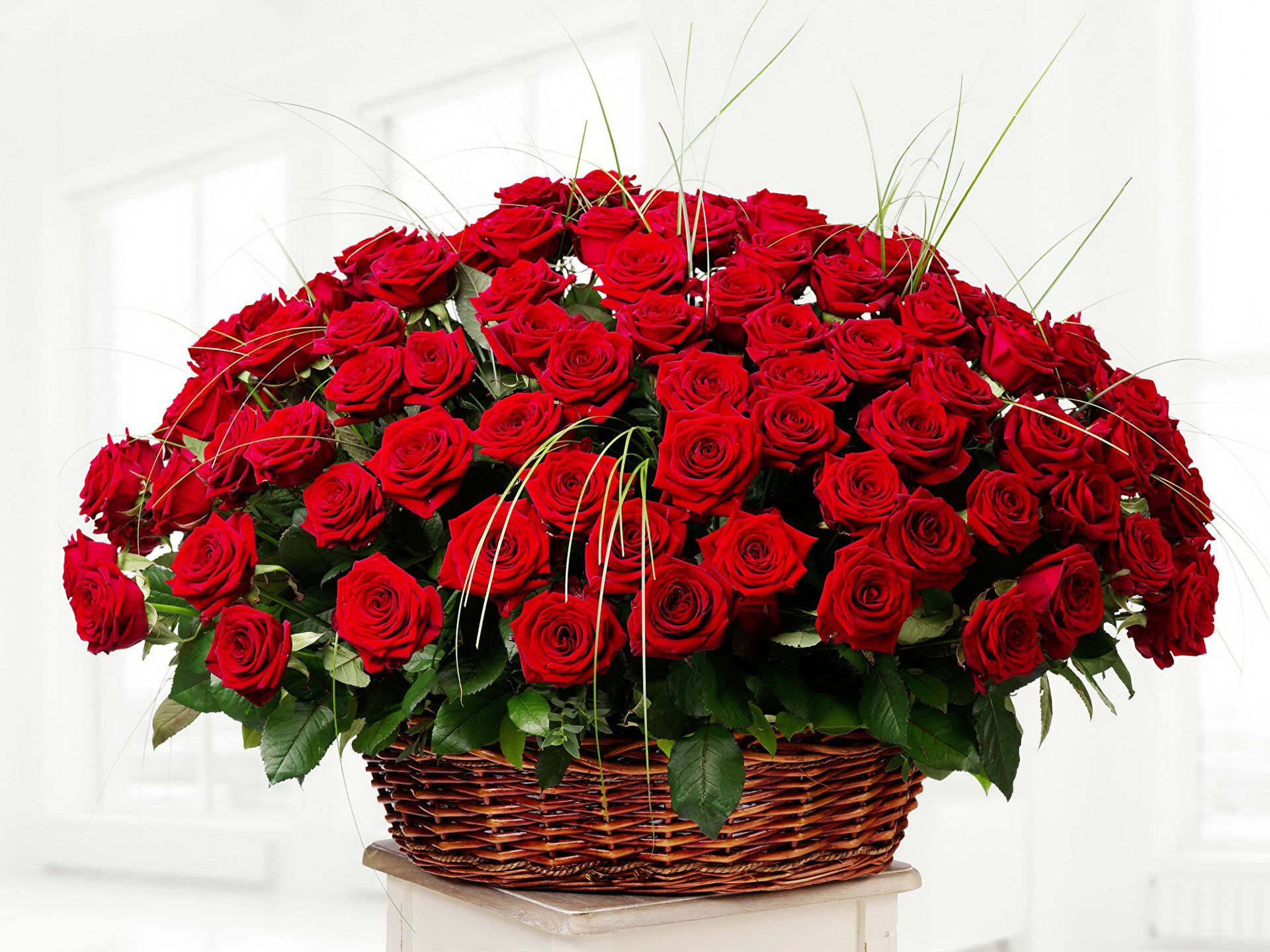 Variety Of Flowers Available For Roses Online Delivery India