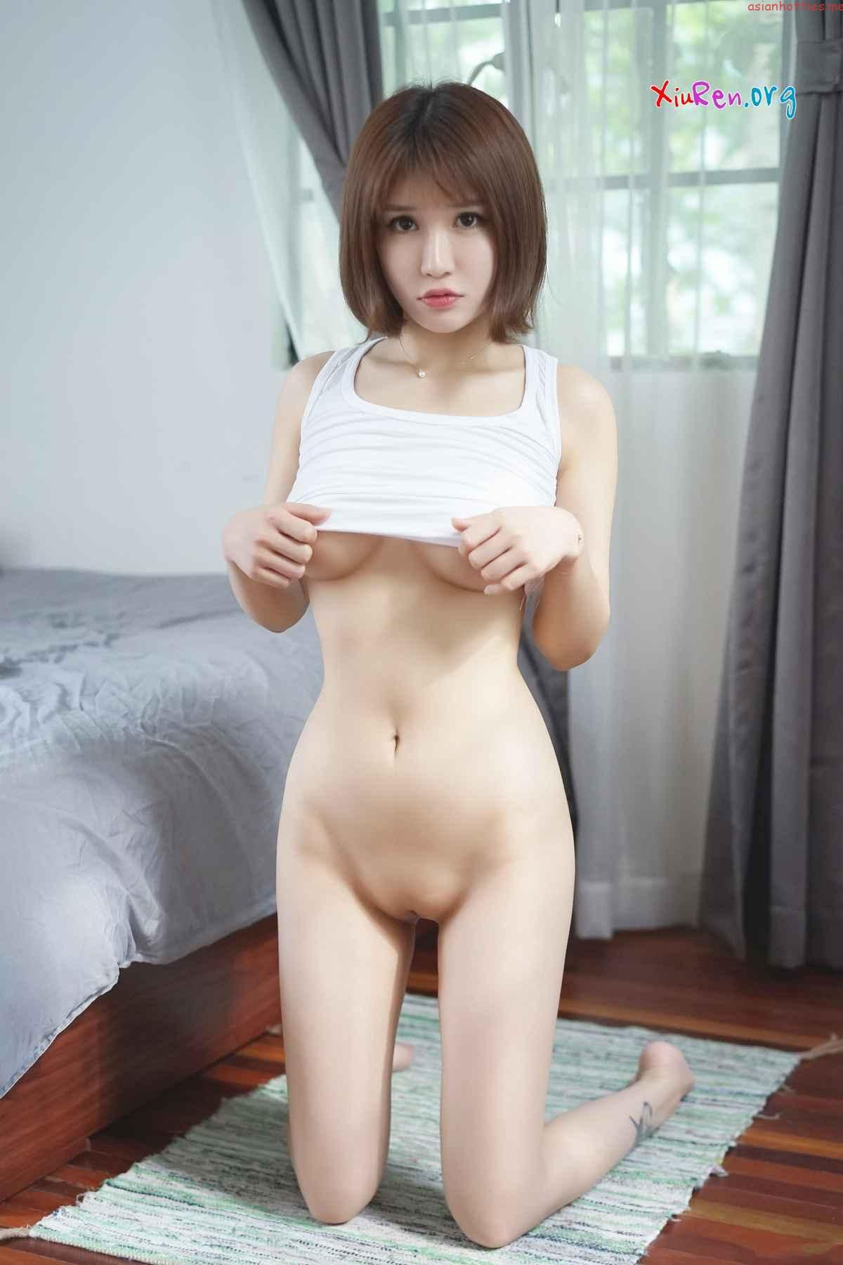 Naked Chinese Girls Photo