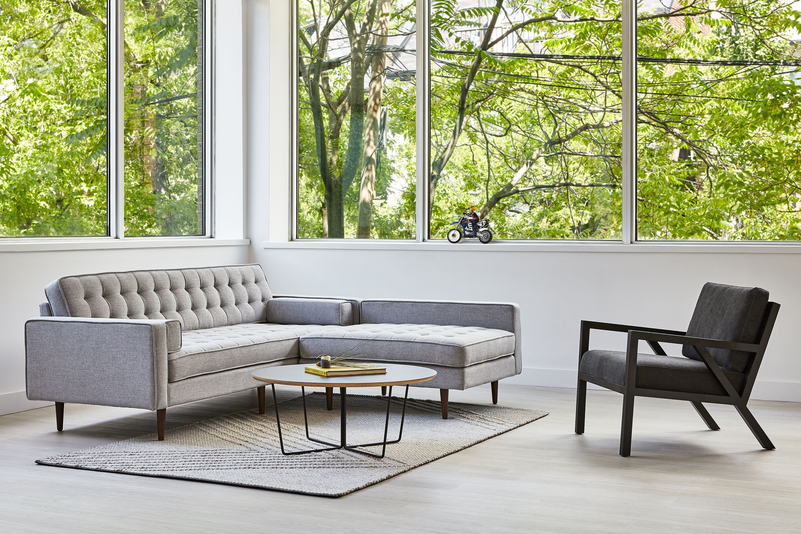Spencer Bi Sectional Truss Chair Array Coffee Table & Avro Rug