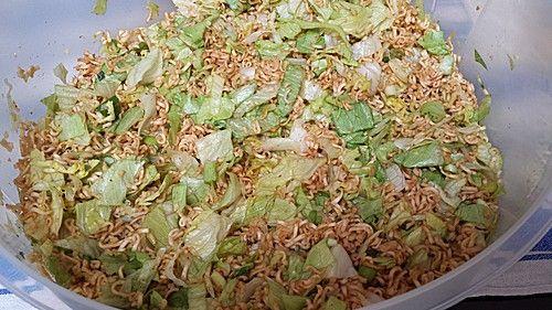 Asia Nudelsalat Mit Chinakohl In 2019 Salate Pinterest Asia