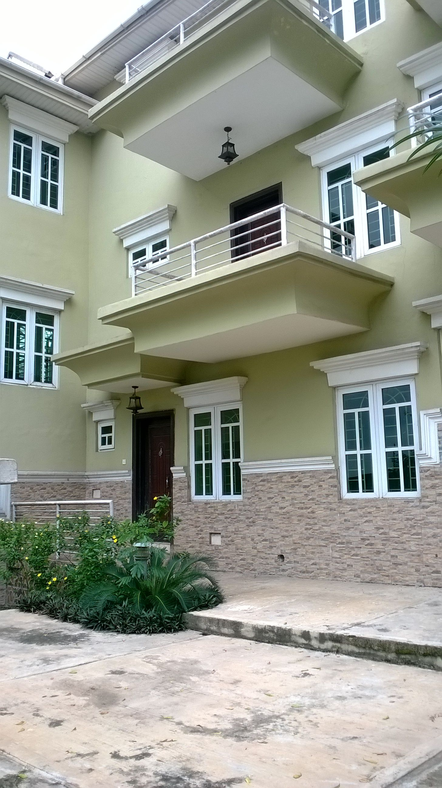 6 UNITS OF 4 BEDROOMS TERRACE HOUSES AT OMOLE PHASE 1