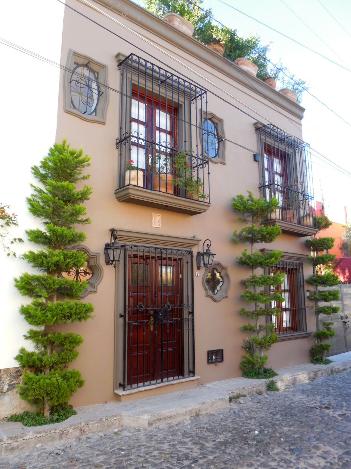 A nice looking house in san miguel dise os de casas en for Disenos de casas mexicanas