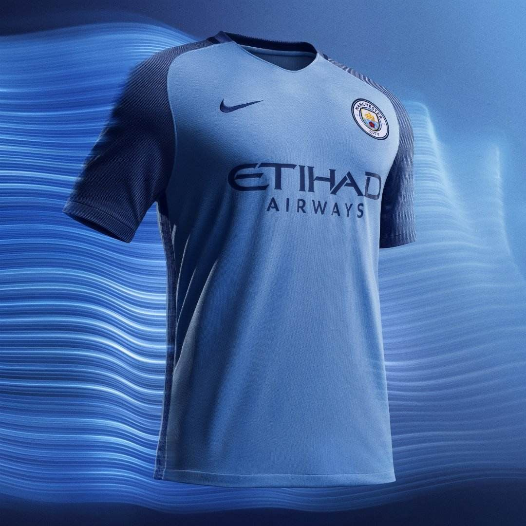 ef6dd174eac6 Nike and the Premier League Manchester City Club jointly launched the  team s new home jersey for