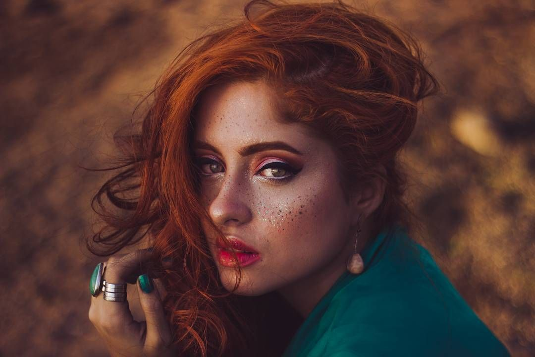 """""""And when the night is cloudy there is still a light that shines on me...""""  #letitbe #beatles #redhead #ginger #ruiva #MarbiaWellen #photography #photo #ph #redhair #art"""
