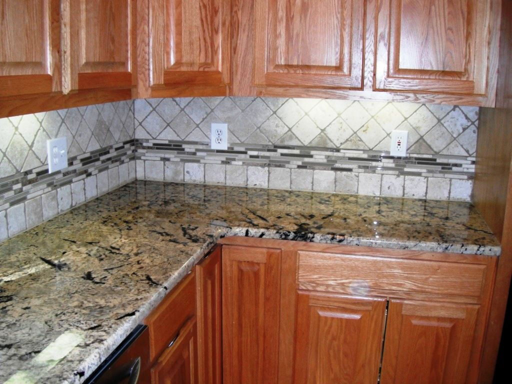 Beautiful Backsplash Border Ideas Part - 1: 4x4 Travertine With Glass Border-Backsplash Designs For Your Kitchen And  Bathroom Projects-http