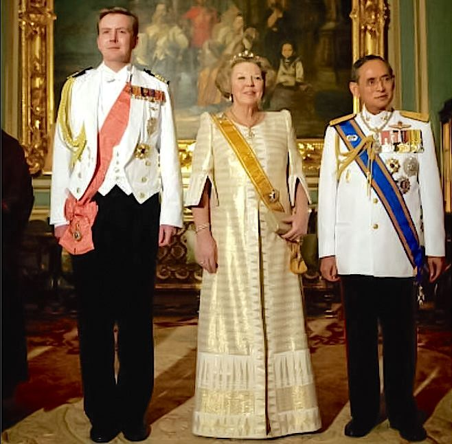 Thai King Bhumibol Adulyadej And Queen Beatrix Of The Netherlands Royal Thai King Dutch Princess