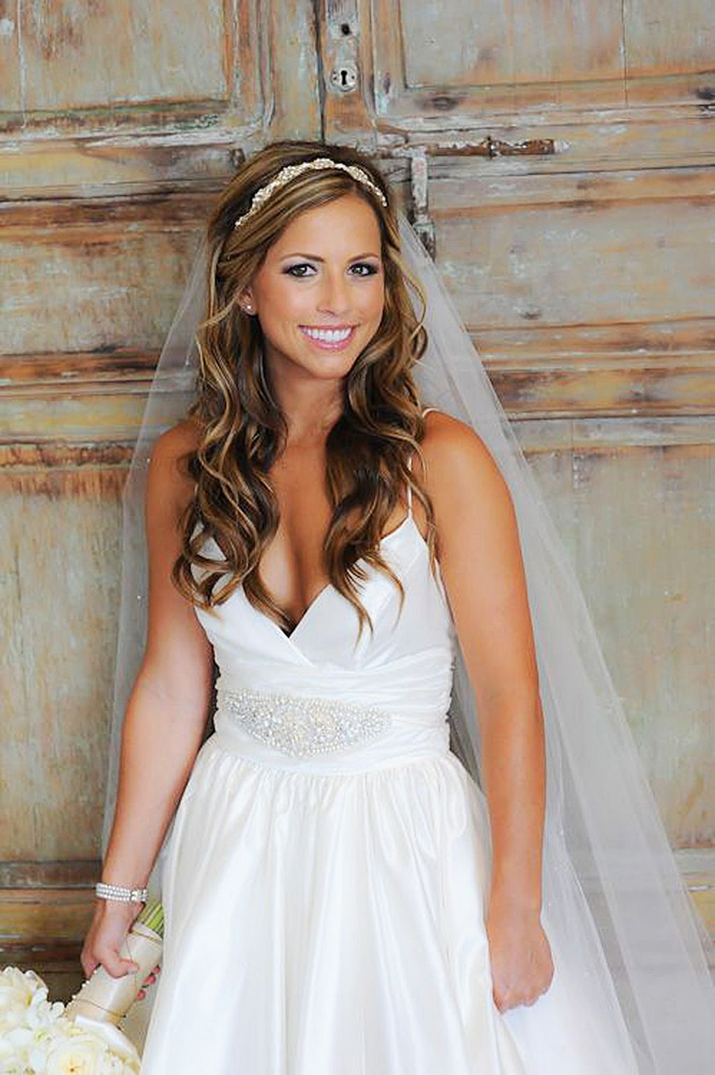 40 beautiful wedding hairdown style with headband ideas 28 in 2019 | Wedding hairstyles, Bride ...