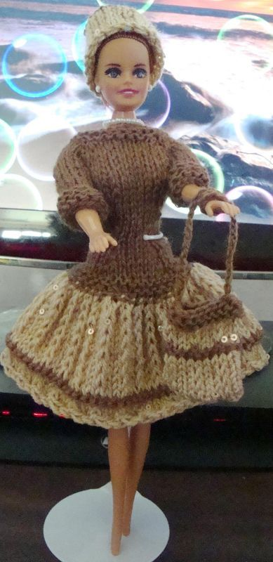 Ladyfingers - Barbie QUICKIE Dress Patternhttp://static.knittingparadise.com/upload/2014/4/16/1397621129646-quickie_barbie_knitted_dress_pattern.pdf