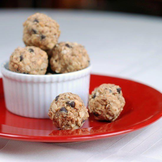 Peanut Butter Protein Bites...A delicious, easy and healthy little protein snack that's so great for the kids' sports days.