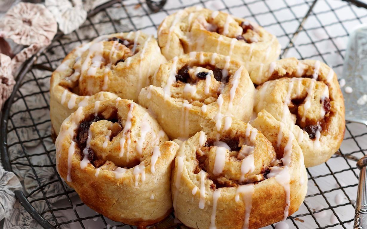 Apple chelsea buns recipes chelsea bun food