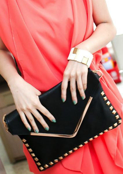 Women Rivet Black Messenger Clutch ..