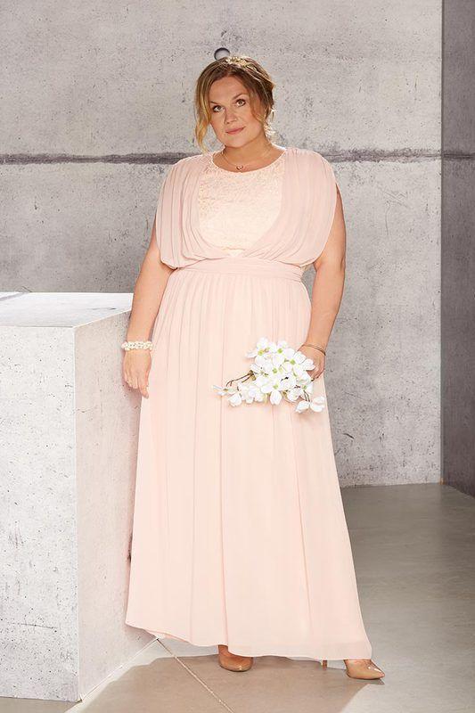 Abendkleider In Grossen Grossen Styling Tipps Outfit Ideen Abendkleid Kleider Modestil