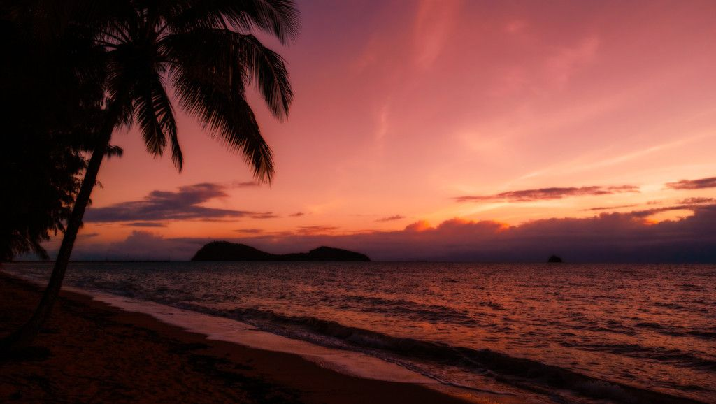 Sunset at Palm Cove in North Queensland | The Planet D