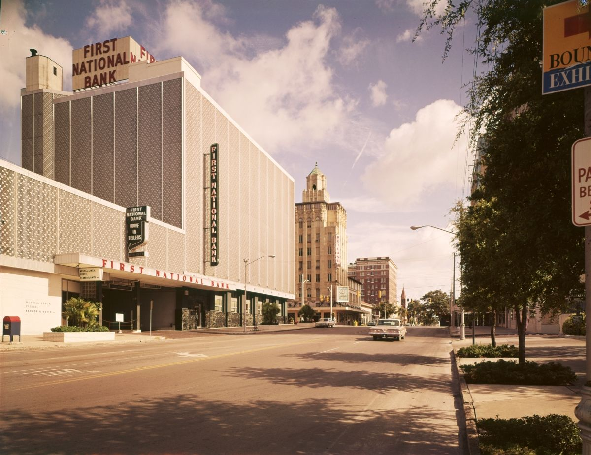 First National Bank On 4th Street In Downtown St Petersburg Florida 1960s Florida Memory Downtown St Petersburg Old Florida Petersburg