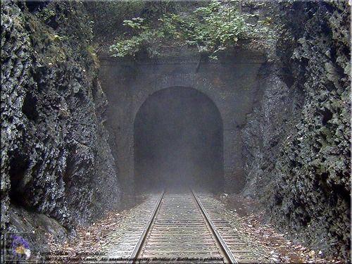 Coosa railroad tunnel, Alabama  panoramio.com