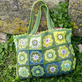 Tasche Aus Granny Squares Gehäkelt Virkatut Laukut Pinterest