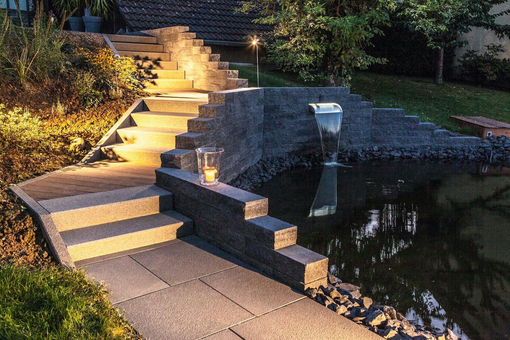 die catania mauer von rinn beton und naturstein mit lichtakzenten effektvoll in szene gesetzt. Black Bedroom Furniture Sets. Home Design Ideas