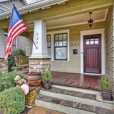 Our house of the month in Elizabeth is a charming bungalow that won't last long on the market. Get the grand tour on #scoopclt #clthomes #cltrealestate