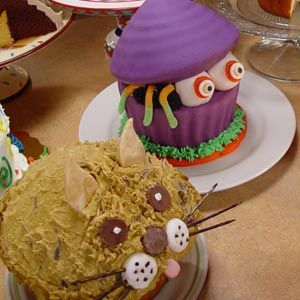 Giant Cupcake Birthday Cake Ideas #giantcupcakecakes Now I love Cupcakes at Birthday Parties, but have you seen the Giant Cupcakes? I do not think a cupcake can get any better than that. Now obviously your Giant Cupcake would not be made for each guest, although I would be ok with that, it would be... #giantcupcakecakes