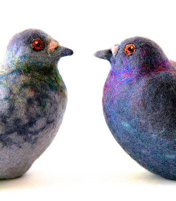 pigeons parisiens – lieber die taube in der hand – parisian pigeons  Love the iridescent purple/blue on the grey bird!
