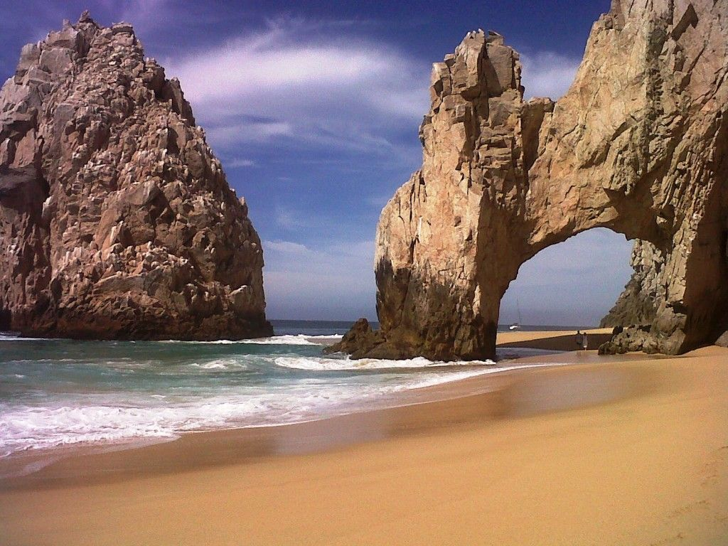 Kayaking is a great way to experience the iconic stone arch (El Arco) at Land's End in Cabo San Lucas #Mexico - #travel #ecology