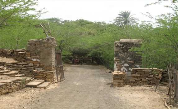 Chadva Rakhal is the biggest town which is located in Kutch District of Gujarath and away from 15 km of Bhuj. It is totally surrounded by the forest with different trees of teak, banyan and babool. There are different features and beautiful places in Chadva Rakhal.