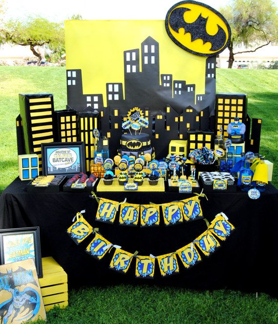 Mesa principal Superhero Birthday Theme Pinterest Batman
