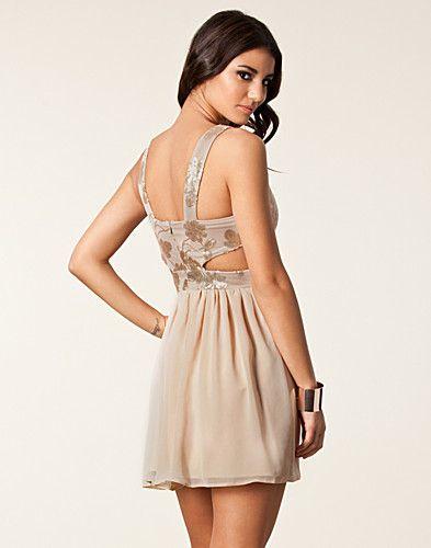Cut Sequin Flower Dress - Elise Ryan - Nude - Juhlamekot - Vaatteet - NELLY.COM