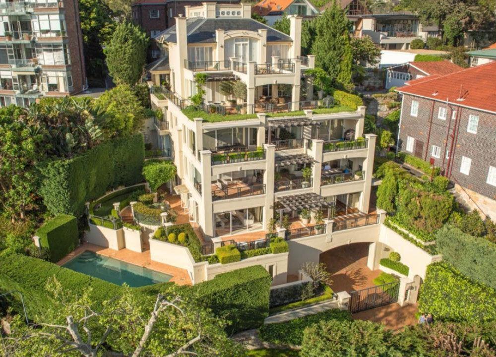Timeless Luxury Garden Apartment Overlooking Sydney Harbour