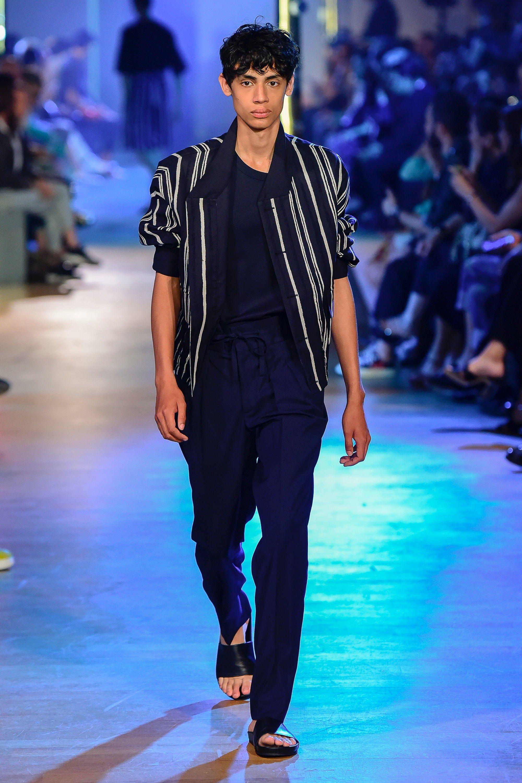576eeb4509 Cerruti 1881 Spring 2019 Menswear Fashion Show | Mens Spring/Summer ...