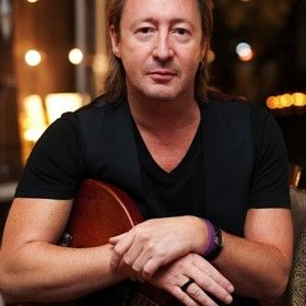 3813-JulianLennon