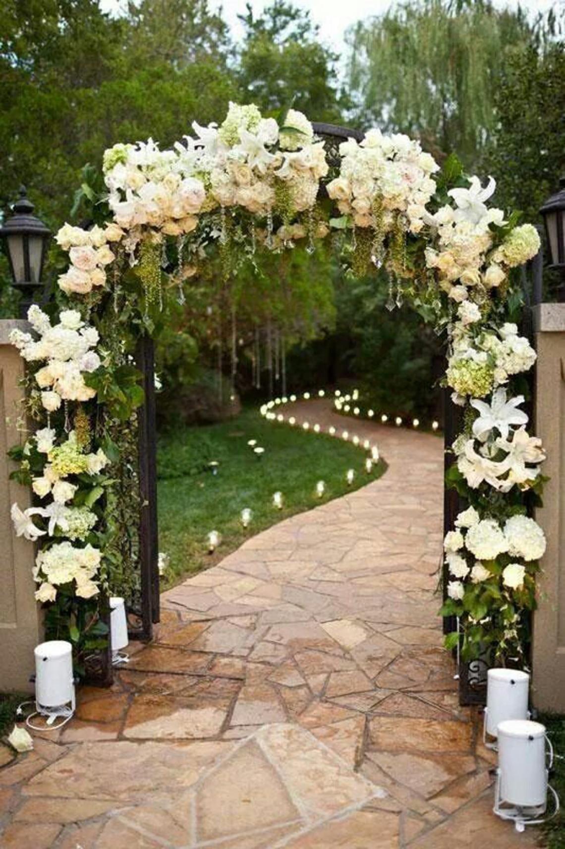 20 ideas para decorar tu boda al aire libre – El altar