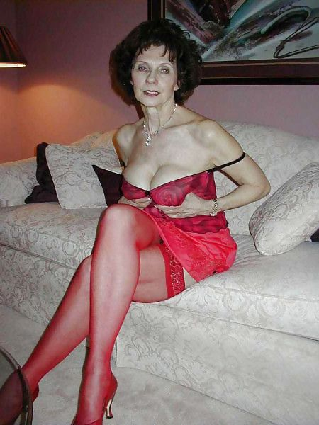 Mature ladies and girls pics