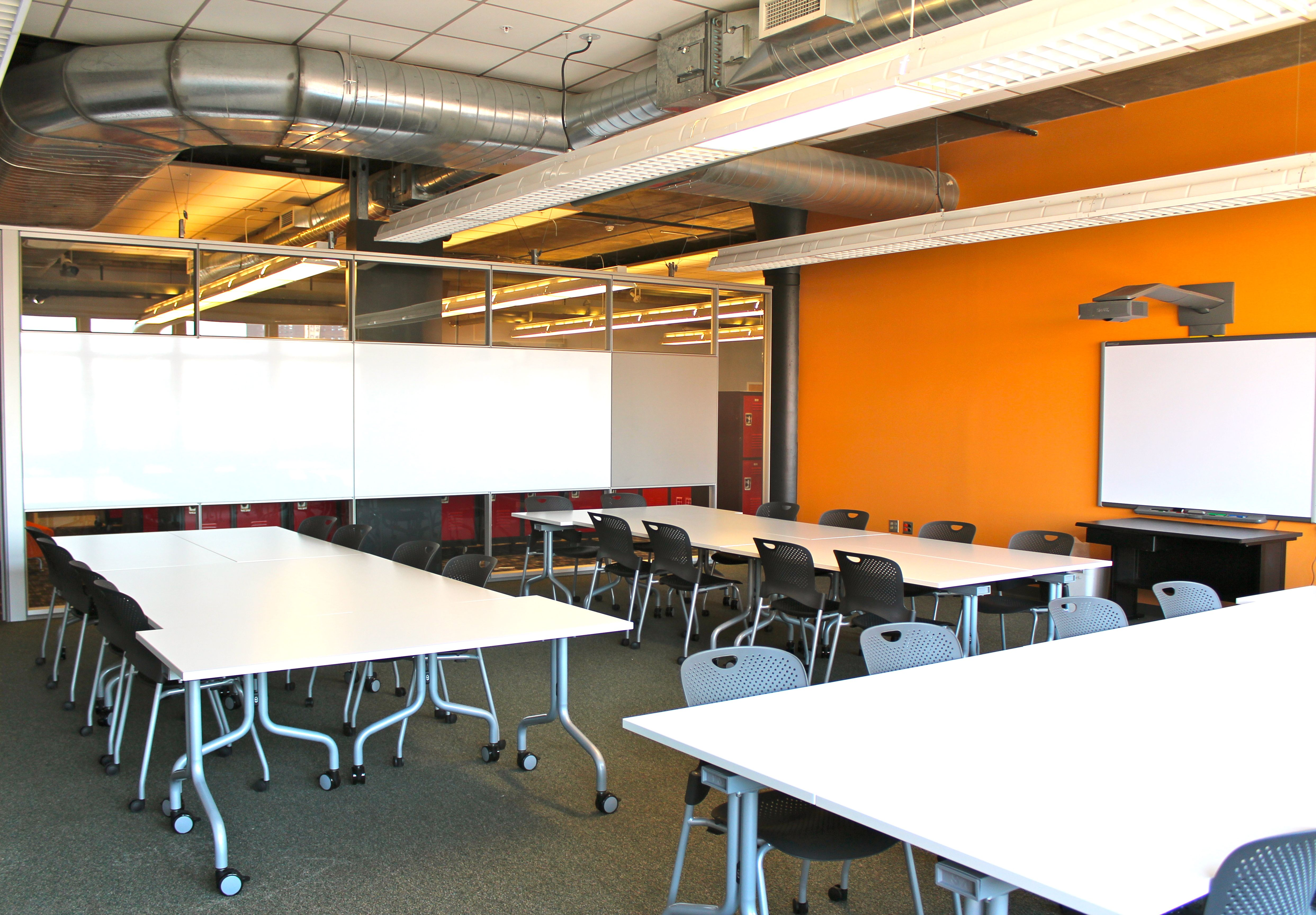 Collaborative Classroom Design : An example of open collaborative st century
