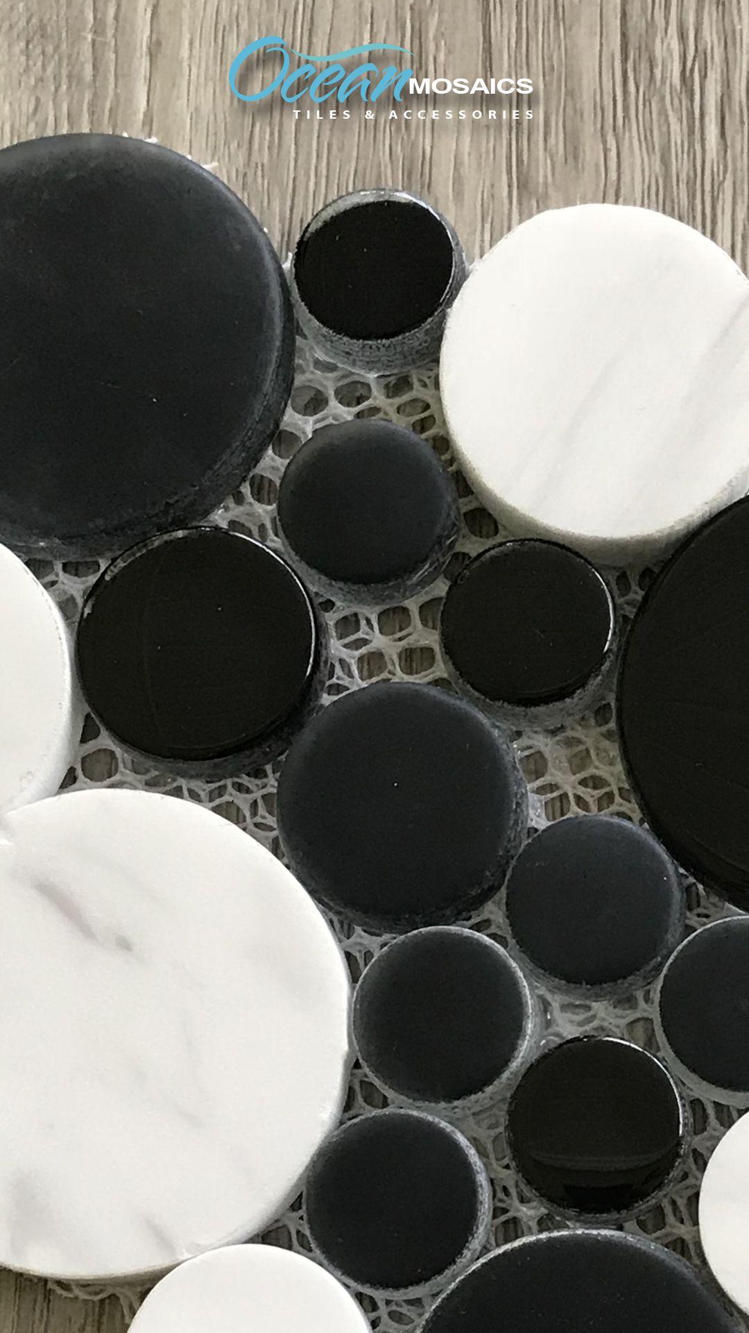 Agata Circle Black And White Mosaic Glass Tile With Images Glass Mosaic Tiles Mosaic Glass Black And White Backsplash