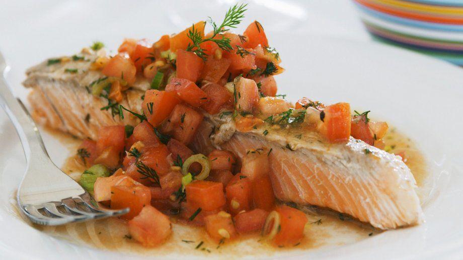 Lachsfilet mit Tomaten-Salsa