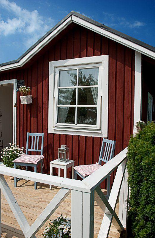 Schönes Gartenhaus im Schwedenstil. Da kann der Sommer ja kommen