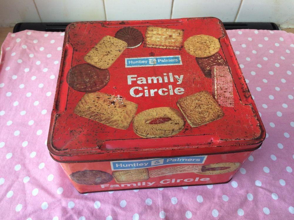VINTAGE BISCUITS TIN   HUNTLEY U0026 PALMERS FAMILY CIRCLE Large Biscuit Storage  Tin