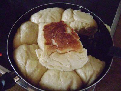 Dampfnudeln mit Mehl und Trockenhefe - Rezept mit Bild