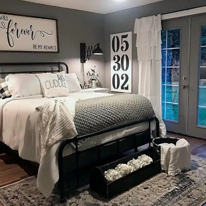 25+ Modern Rustic Master Bedroom Decor and Design #rusticbedroom #bedroomdesign #bedroomideas ~ Beautiful House #modernrusticbedroom