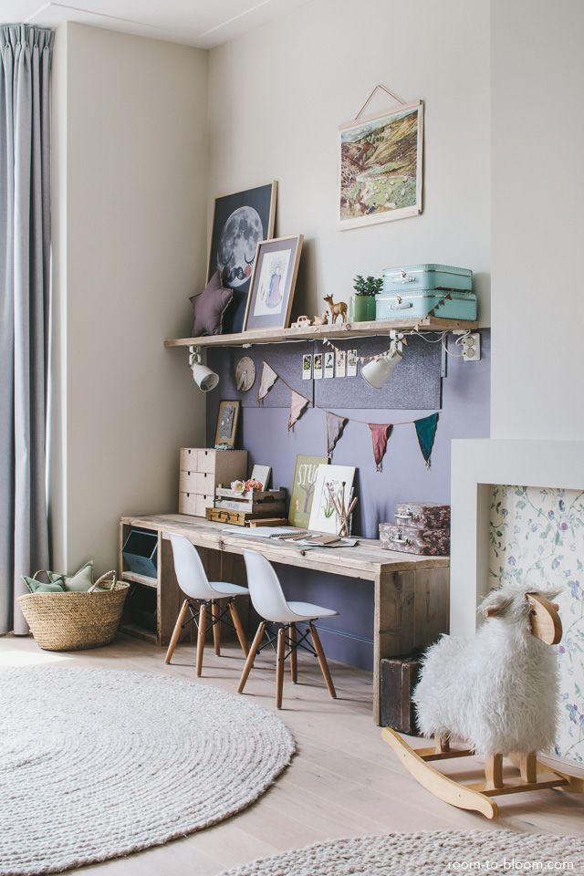 Kinderzimmer Design | Mädchenzimmer mit großem Schreibtisch lila & grün | Raum zum Blühen #girlsbedroom