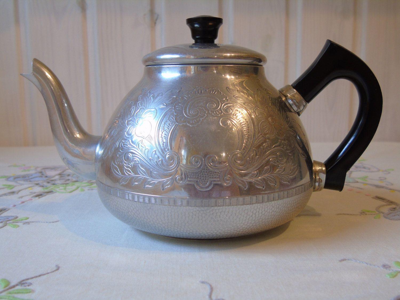 C1950s Swan Brand The Carlton Tea Pot Vintage Teapot English Metal Aluminium Tea Pot By Butterbeas On Etsy Tea Pots Vintage Tea Pots Tea Wallpaper autumn hand picnic tea kettle
