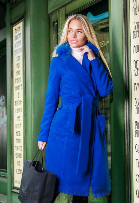 Пальто модное из кашемира с мехом